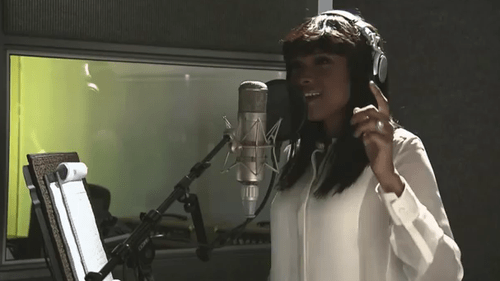 6a01127964c54a28a4017615ea5d3c970c 500wi Video: Jennifer Hudson Partners with Pampers Record Her Rendition of the Classic Lullaby and Goodnight