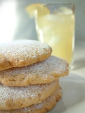 Powdered Sugar Cookies, For Every Body Scented Candle Review, Candlefind.com, the site for candle lovers