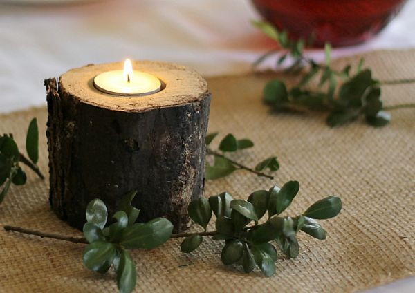 How-to-Make-Rustic-Candlesticks-from-Wood-Logs-indiv-on-table-gardenmatter.com_