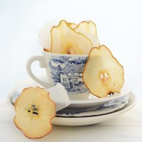 Karmelowe domowe chipsy z gruszek i jabłek