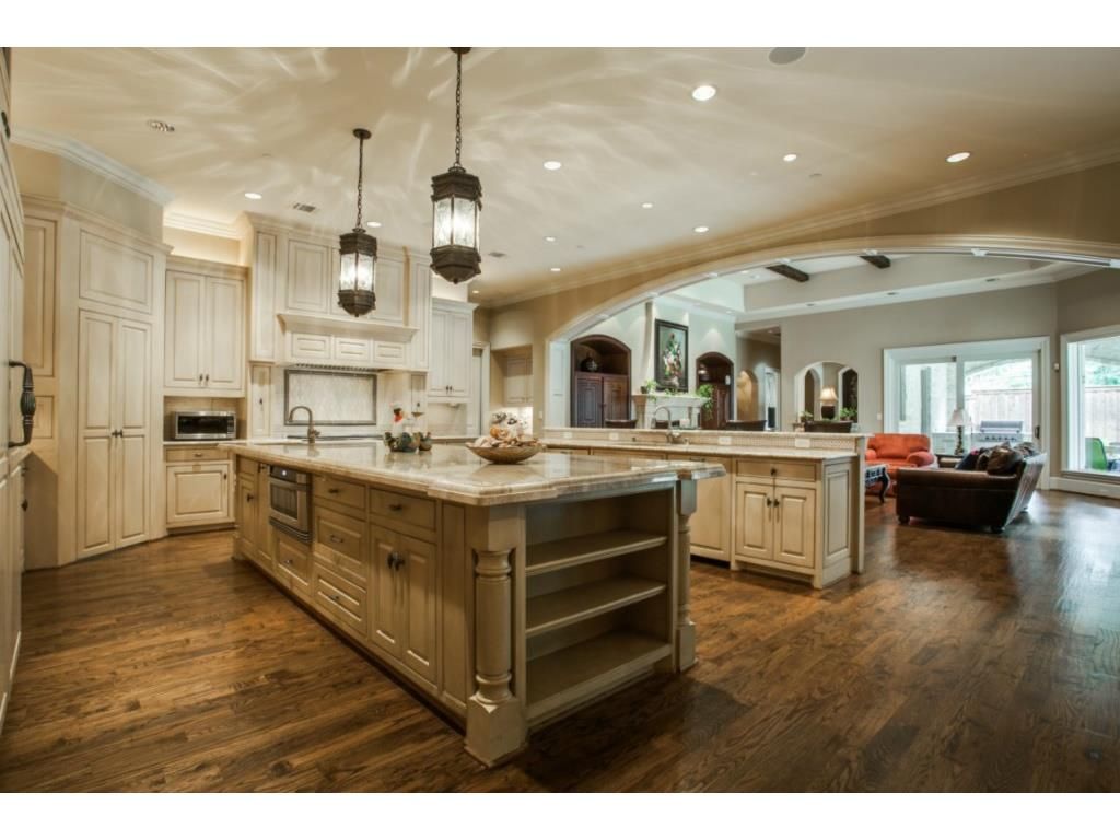 Different Kitchen Islands Here's What Jordan Spieth Bought In Ph/bluffview - Nice