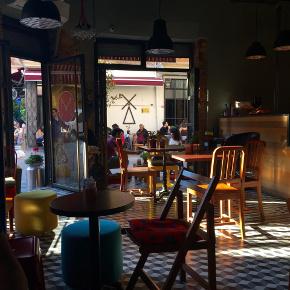 Yeldeğirmeni'de Cafe Mu