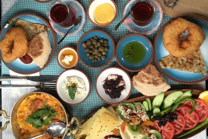 Bazlama Kahvalti foto