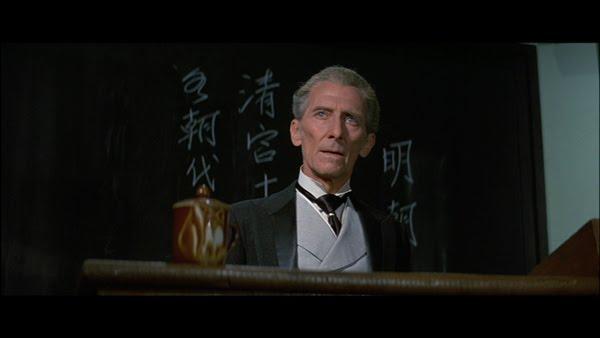 CIBASS_Legend of the 7 Golden Vampires Van Helsing Peter Cushing