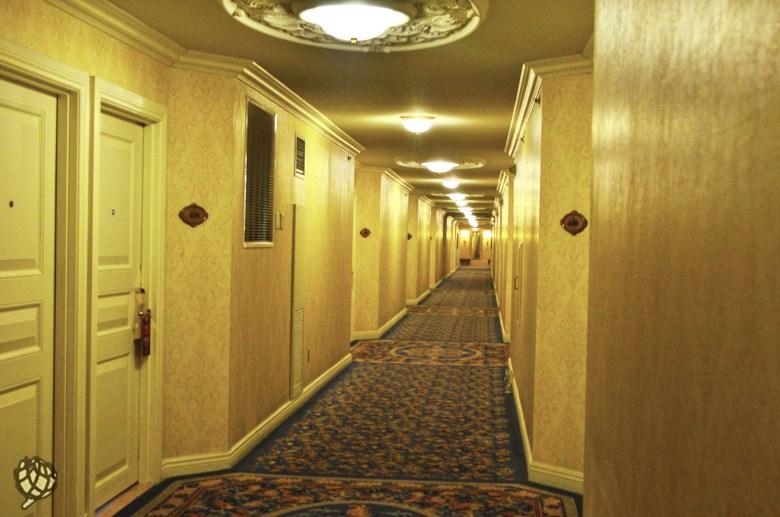 Paris Hotel corredor quartos