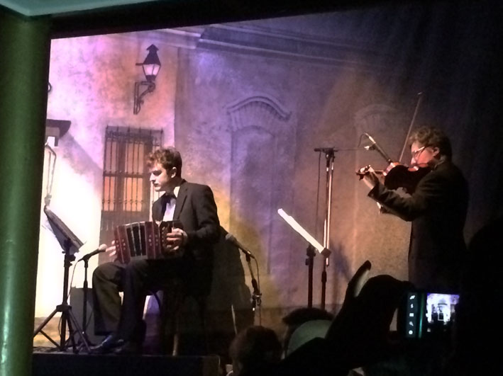 El-Viejo-Almacen-musicos-2