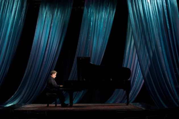 Jeffrey Siegel during a 2010 PBS special. Photo / Steve Purcell