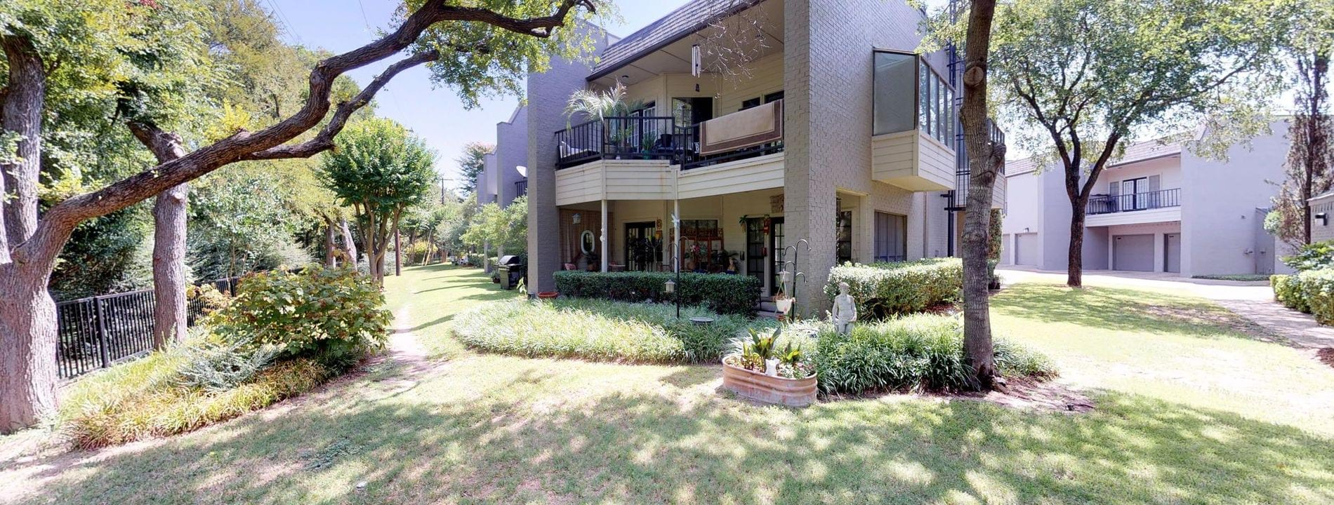 Garage Apartment For Rent In Dallas Apartment Rental Amenities In Dallas Tx Oaks White Rock Amenities