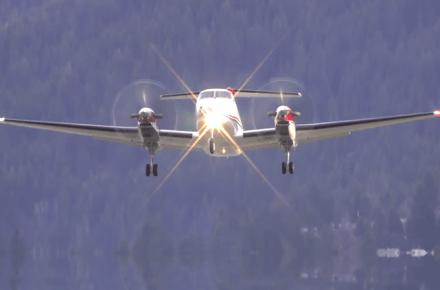 Despegues y aterrizajes de aviones