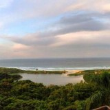 Praia do Rosa vista do deck do solar do Mirador.