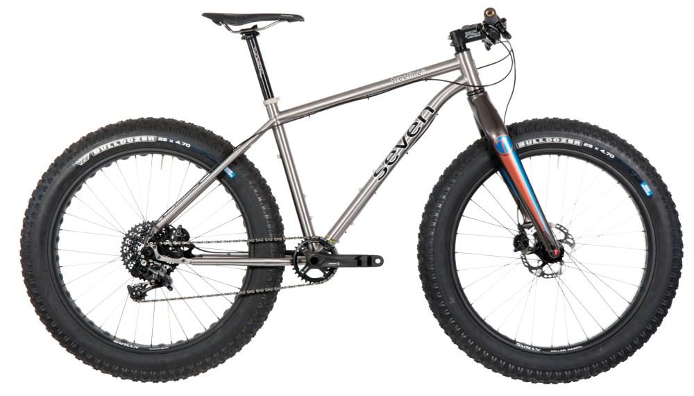 Seven-Cycles_Treeline-SL_custom-fat-mountain-bike_studio-side