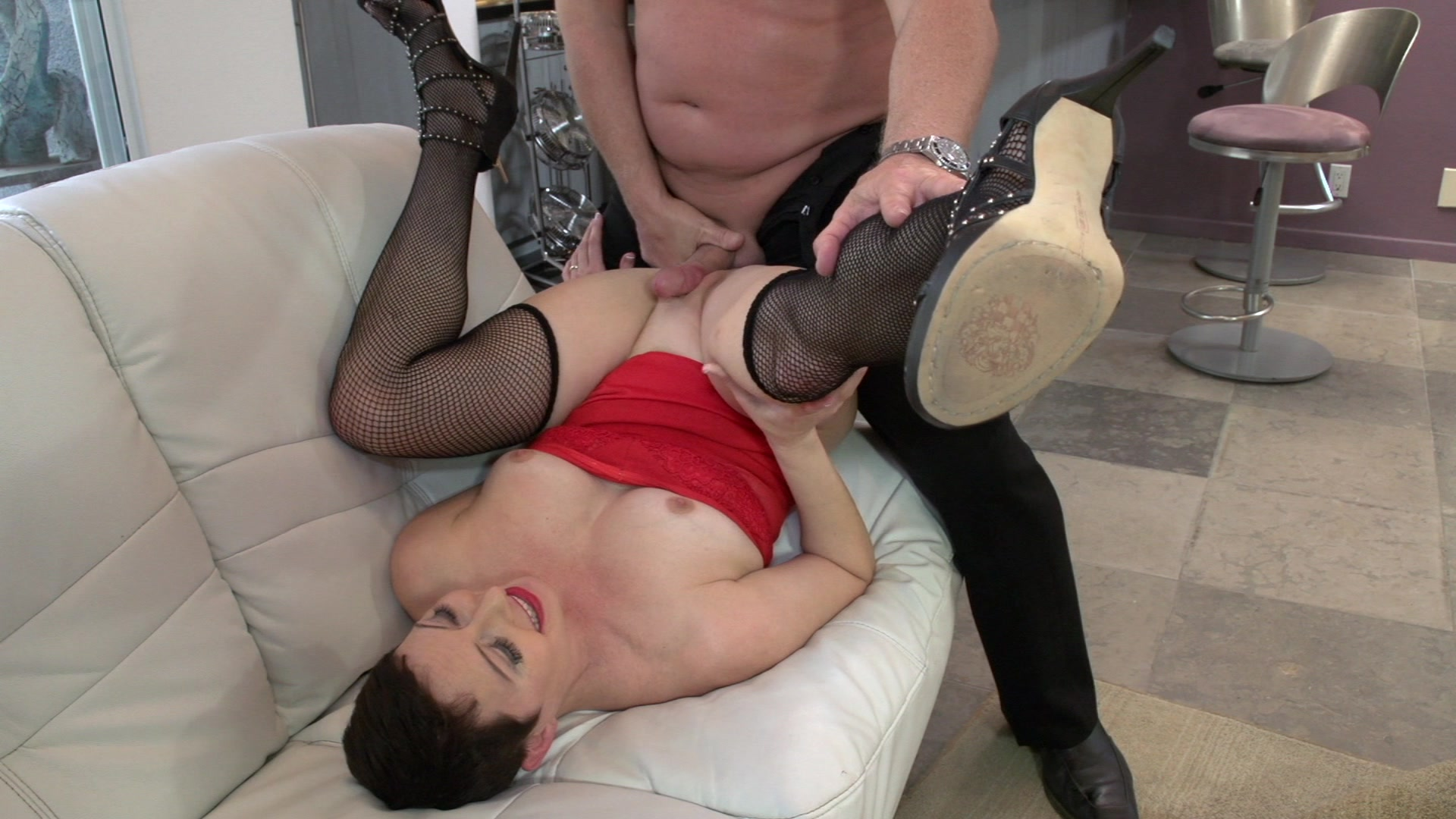 Sexy Short Haired Woman Enjoys Sucking His Big Dick and Getting Fucked Starring: Kali Karinena