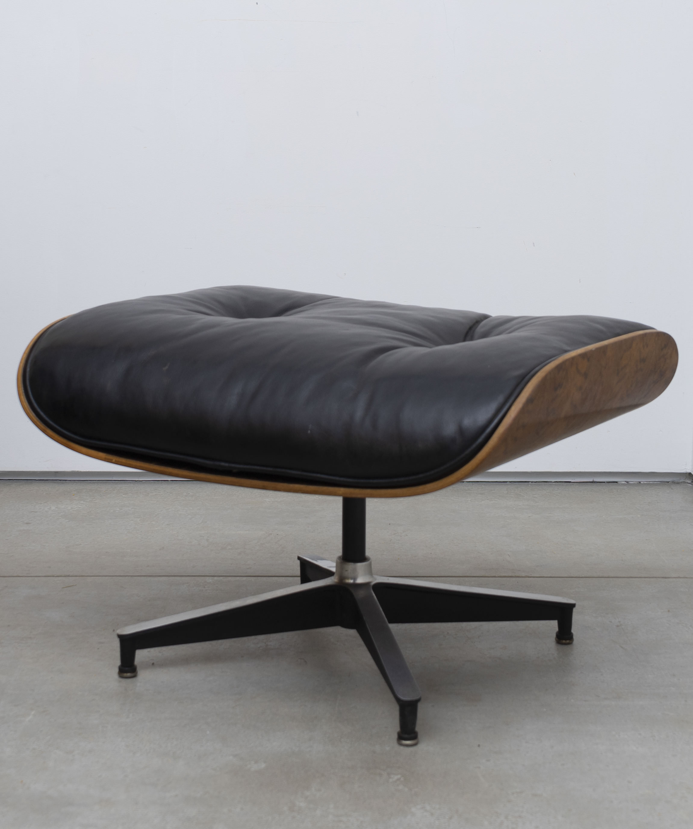 Eames Lounge Chair Zubehör Charles And Ray Eames For Herman Miller Eames Lounge Chair And