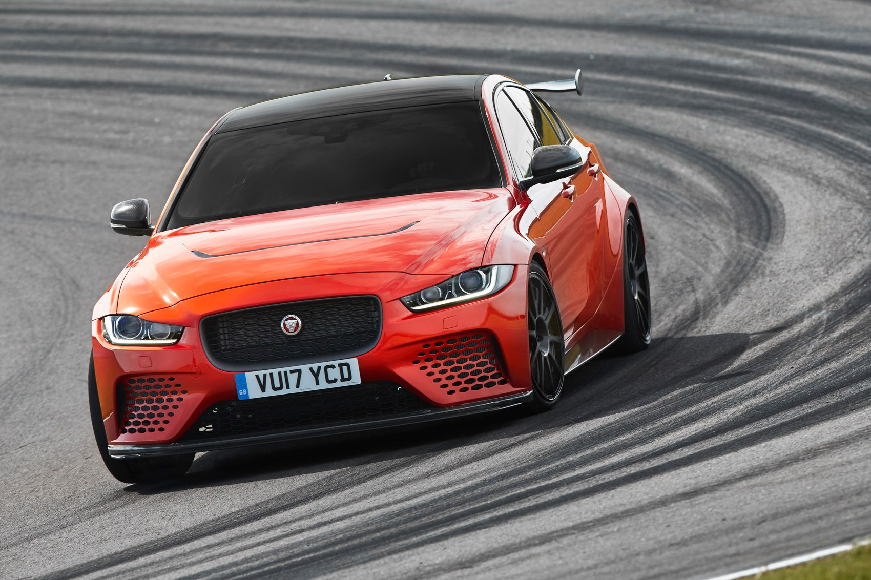Jaguar Xe Sv Project 8 Jaguar Xe Sv Project 8 The 150k Saloon That Thinks It 39s