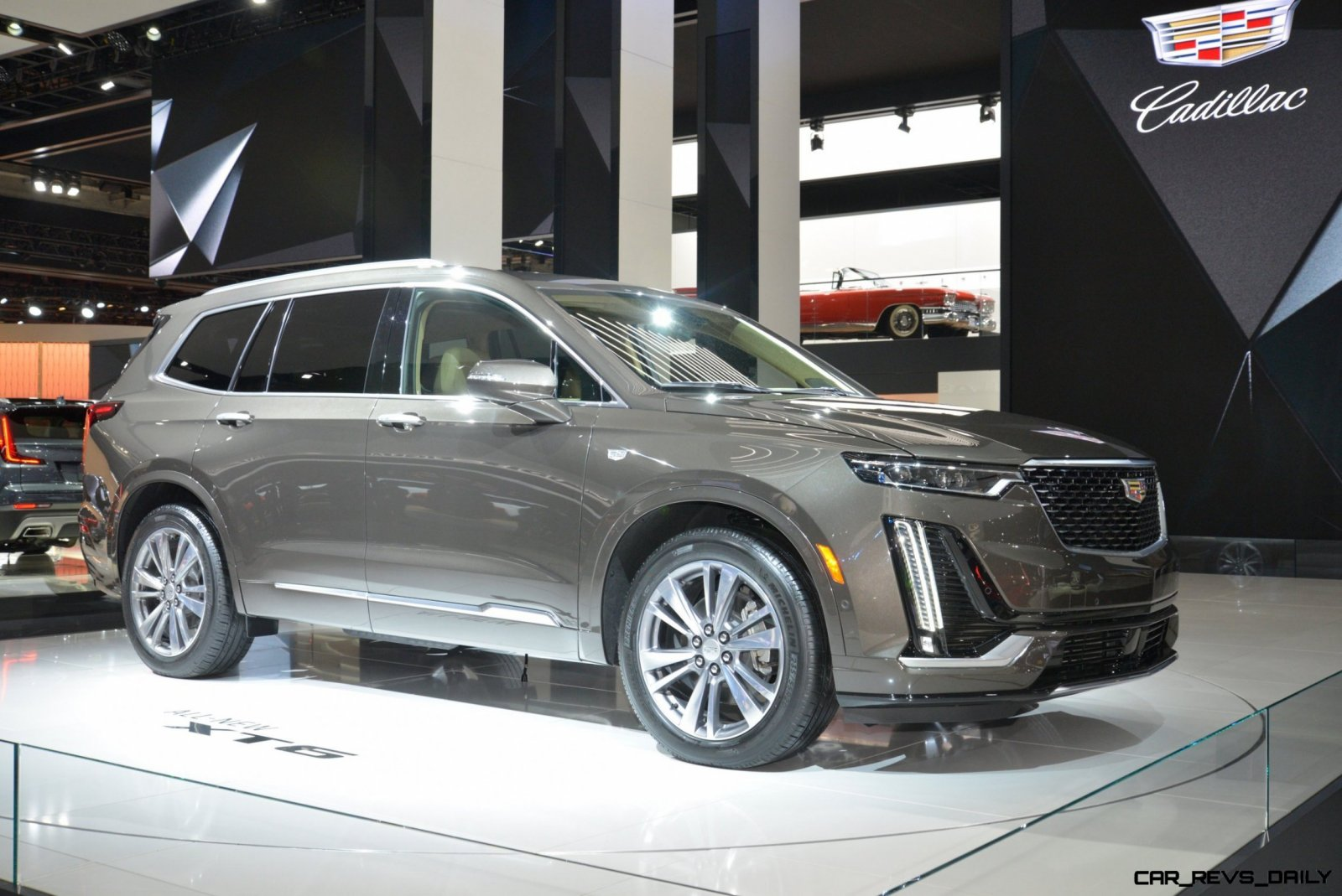 Cuv Car Cadillac Unveils Three Row 2020 Xt6 Cuv Ahead Of Naias 7 Seat