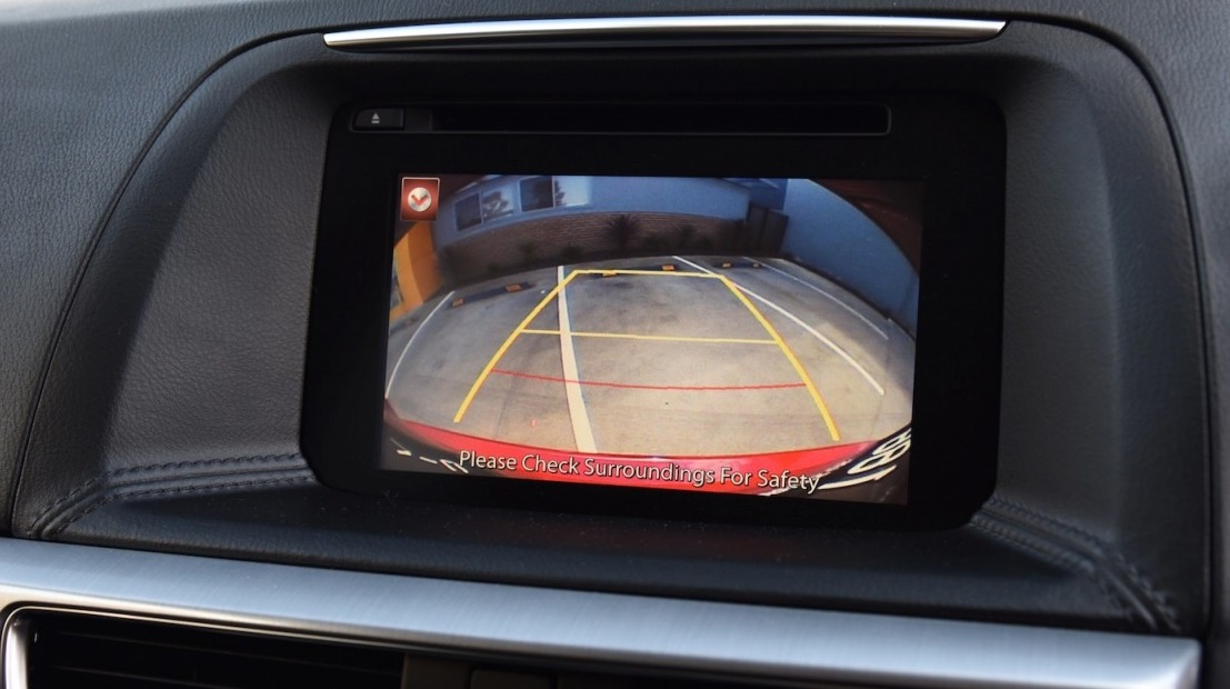 Car Rear View Backup Reverse Camera and Connection Cable for Mazda