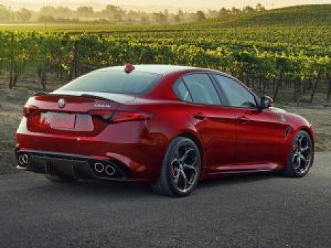 Alfa-Romeo-Giulia-Quadrifoglio