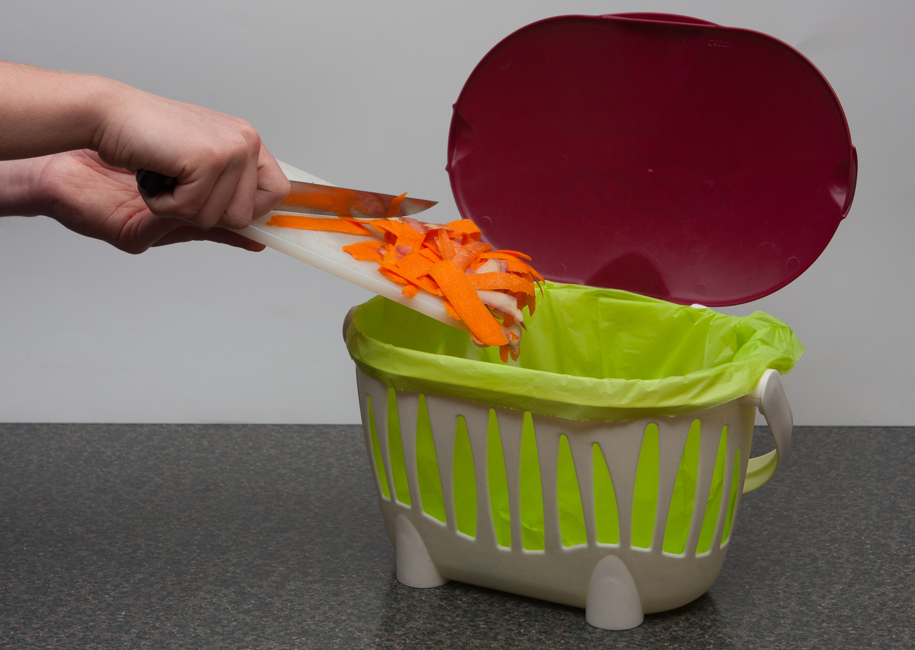 Kitchen Tidy Bins Sulo Collaborate With Cardia Bioplastics In Household Food Waste