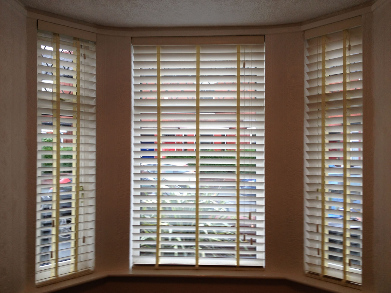 Venitian Blinds Use White Wooden Venetian Blinds For Perfect Style