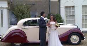 A 1950 Jaguar Mk V Saloon is a popular classic wedding car