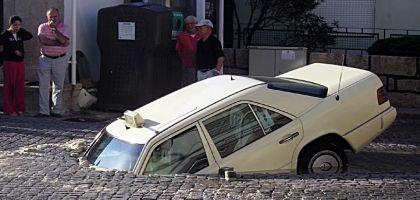 voiture-trou