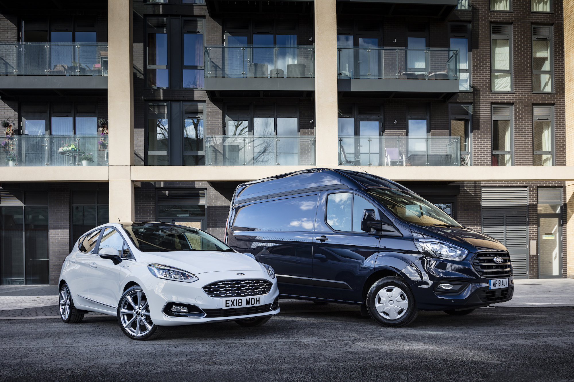 Uk New Car Sales Ford Surpasses 71 000 Sales In March Car Keys