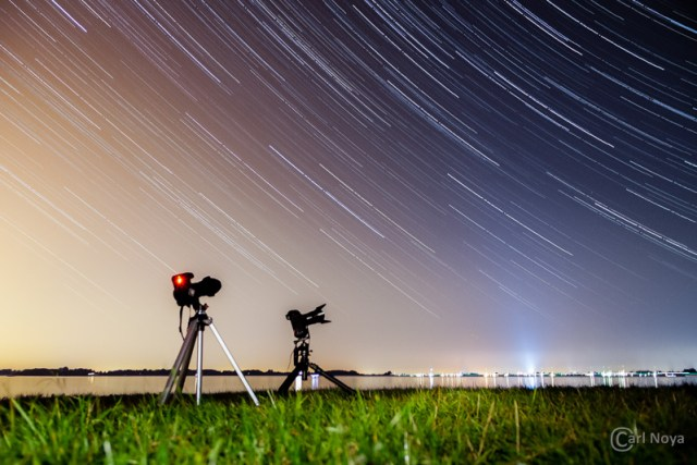 350D_0001_Star-Trail_(Carl Noya 800pix)