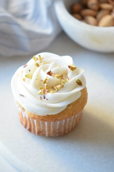 Hazelnut Cupcakes with Pistachio Topping
