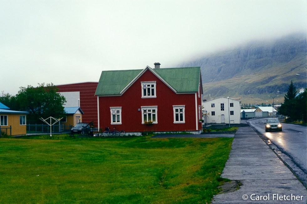 Seydisfjordur - Loved this house's transom windows