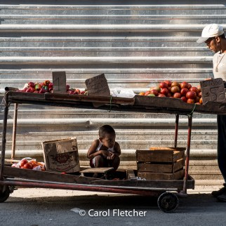 produce vendor havana cuba-vegetable-cart