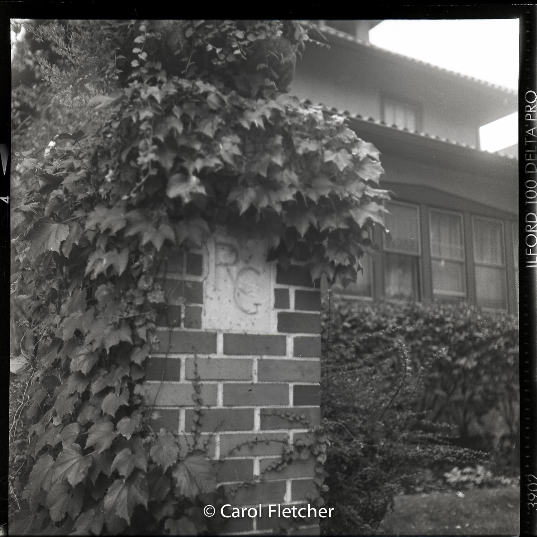 ravenswood gardens chicago corner brick windsor rockwell