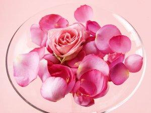 rose-petals-crystal-bowl