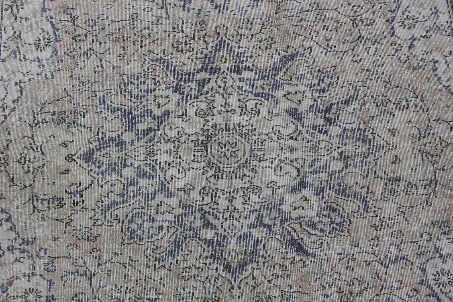Miho Teppiche Miho Teppiche Affordable Doubleniche Rug With A Floral Patterns