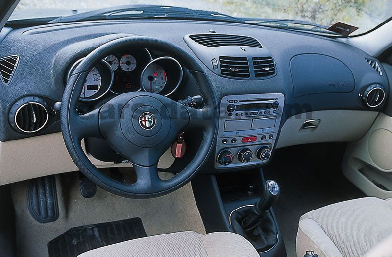 Alfa Romeo 147 Interieur Alfa Romeo 147 2001 Pictures (6 Of 8) | Cars-data.com