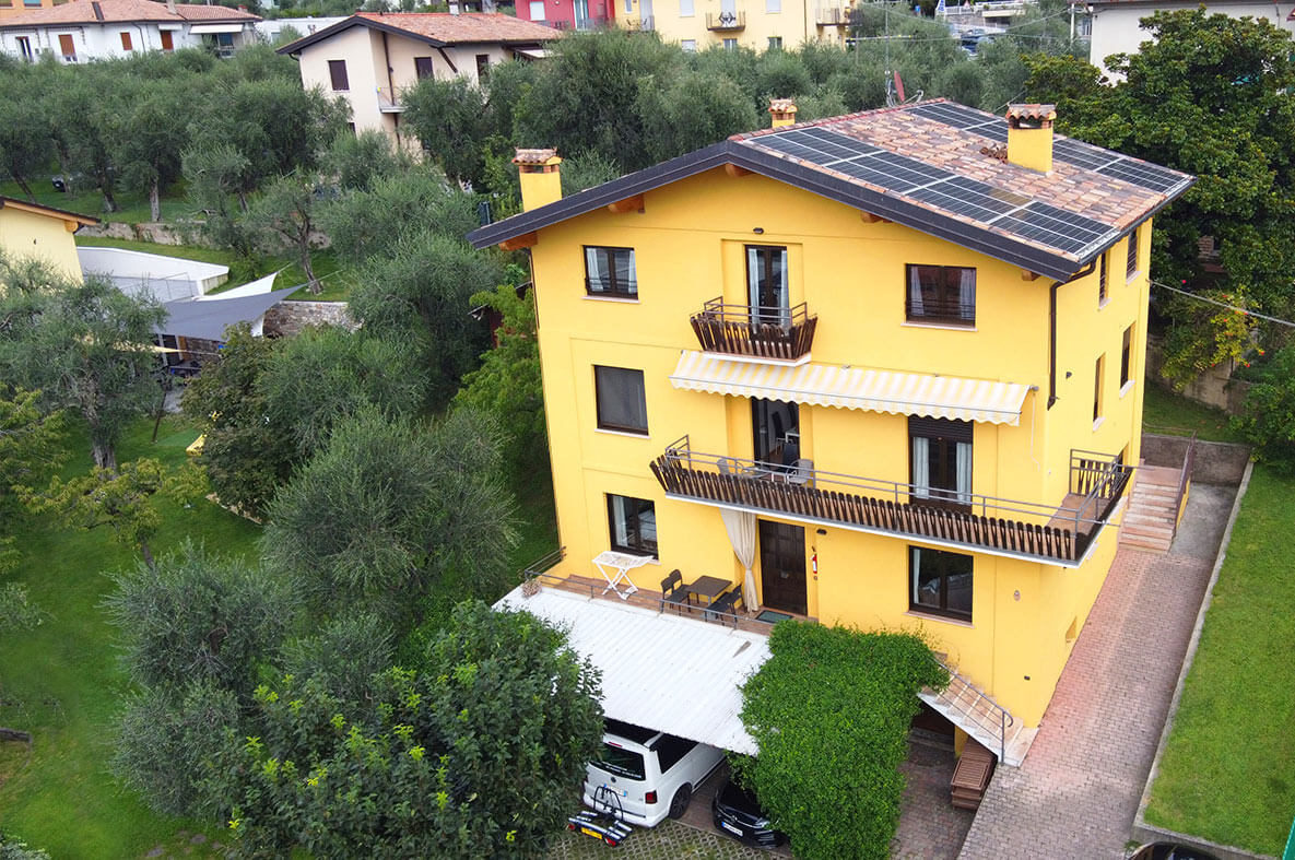 Ferienhaus Mit Pool Gardasee Privat Holiday Apartments On Lake Garda Casa Guarnati In Malcesine