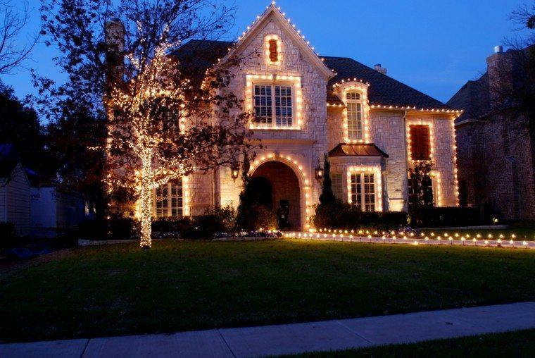 Iluminacion exterior decoracion navideña con luces - - Decoracion Navidea Para Exteriores De Casas
