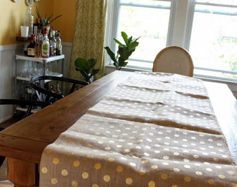 Sillas Decoradas Caminos De Mesa: 35 Ideas Para Decorar La Mesa