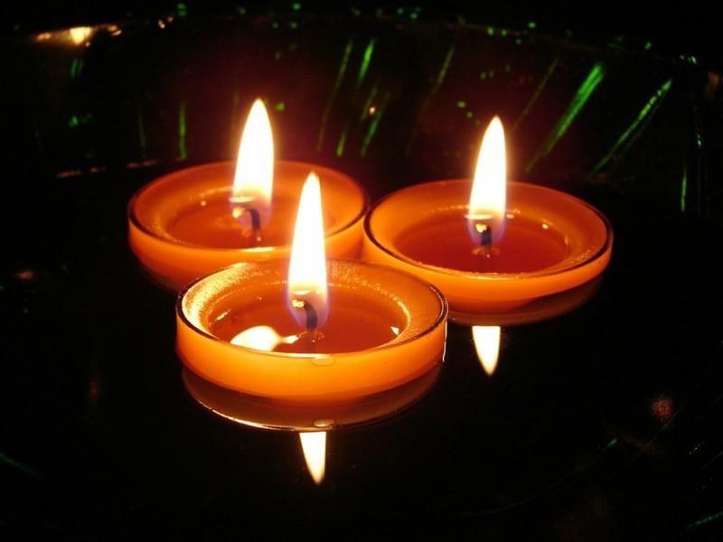 Hd Wallpaper Diwali Light Velas Flotantes Una Decoraci 243 N Sencilla Pero Elegante