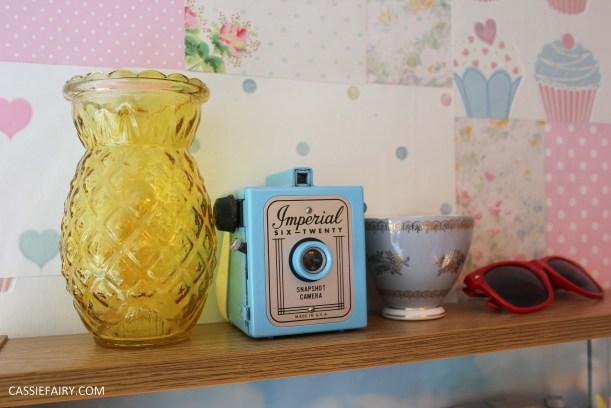 diy display cabinet makeover for vintage caravan_-16