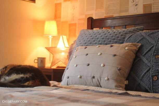 winter interior design - cosy autumn bedroom styling idea inspiration-3