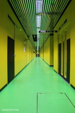 norman-foster-utopian-black-glass-willis-building-ipswich-suffolk-yellow-and-green-interior-office-70s-1970s-22