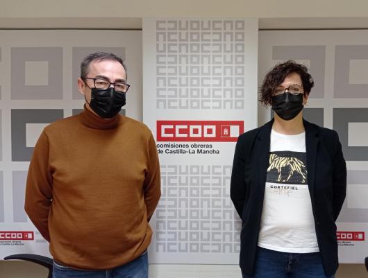 Paco de la Rosa, secretario general de CCOO CLM, y Carolina Vidal, secretaria de Acción Sindical y Formación Sindical en CCOO CLM