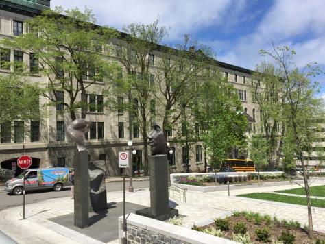 Monument aux Frères éducateurs (Teaching Brothers Monument)