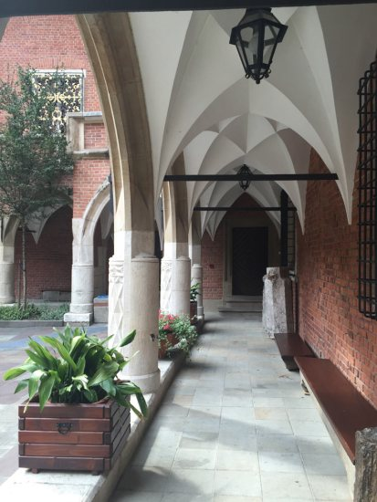 beautiful arches running around the courtyard of the Collegium Maius