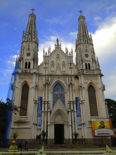 Catedral Metropolitana de Vitoria Centro histórico de Vitória em um dia