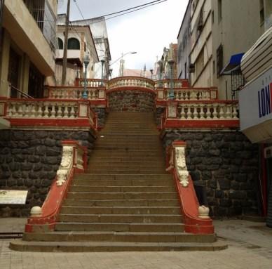 Escadaria São Diogo Centro histórico de Vitória em um dia
