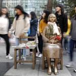 BN-HZ563_jkorea_G_20150420215127