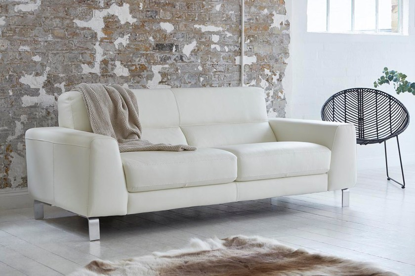 Tips for choosing a sofa to suit your home - Darlings of Chelsea Silvio Sofa