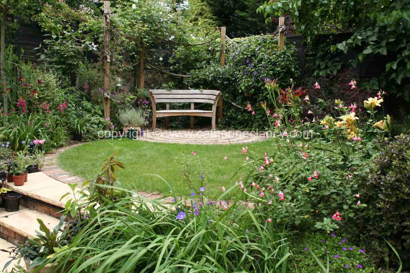 Blackheath walled garden garden design london for North facing back garden designs