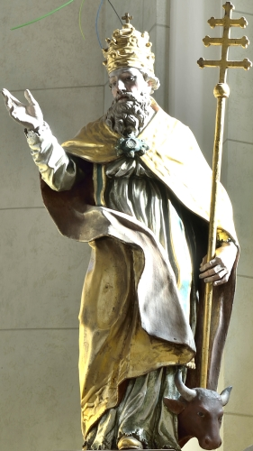polychromed wood statue of Pope Saint Sylvester I by Domëne Moling, mid-18th century; parish church of Saint Genesius in La Val, Tyrol, Italy; photographed on 25 October 2013 by Wolfgang Moroder; swiped from Wikimedia Commons; click for source image
